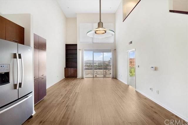 250 N First Street #407, Burbank, CA 91502 (#BB20230339) :: Berkshire Hathaway HomeServices California Properties