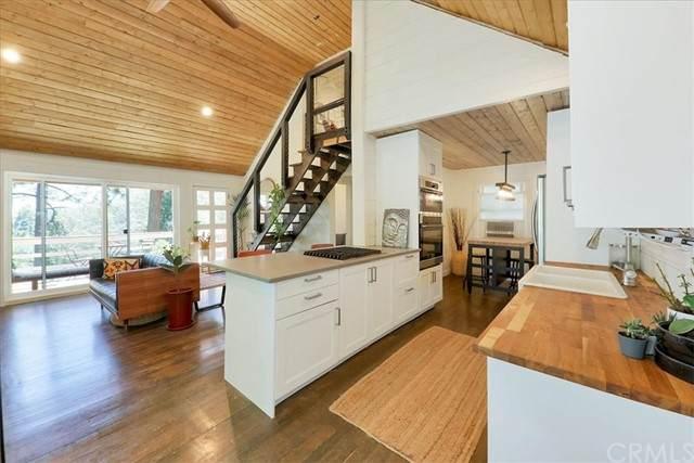 975 Mercury Way, Crestline, CA 92325 (MLS #IG21121719) :: Desert Area Homes For Sale