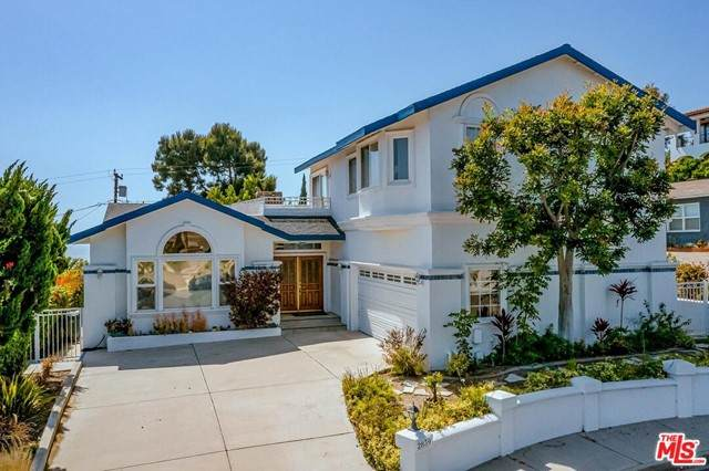 2839 El Oeste Drive, Hermosa Beach, CA 90254 (#21748984) :: Bathurst Coastal Properties