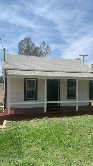 7204 Olive Street, Highland, CA 92346 (#CV21129608) :: Berkshire Hathaway HomeServices California Properties