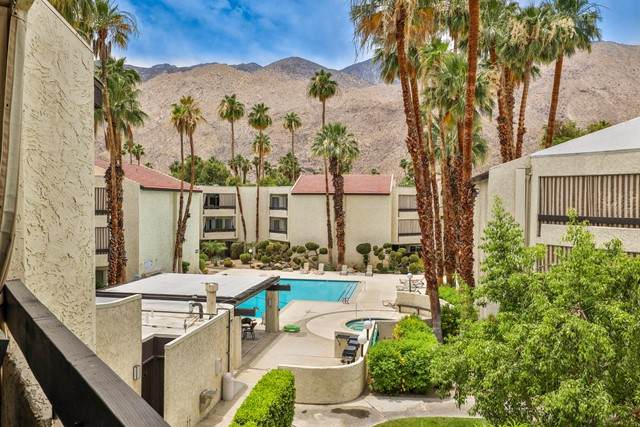 1550 S Camino Real #324, Palm Springs, CA 92264 (#219063562PS) :: Doherty Real Estate Group