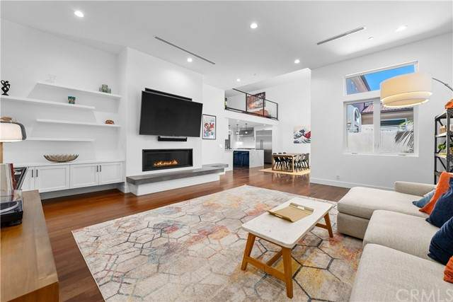 505 S Broadway B, Redondo Beach, CA 90277 (#SB21127897) :: Powerhouse Real Estate
