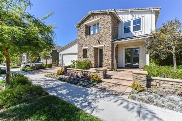 121 Paramount, Irvine, CA 92618 (#OC21129986) :: Z REALTY