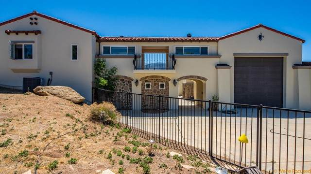 47698 Twin Pines Road, Banning, CA 92220 (#219063581PS) :: Berkshire Hathaway HomeServices California Properties