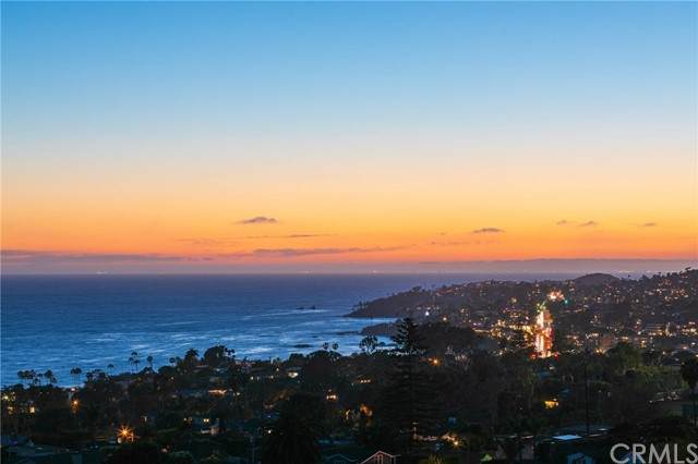 1121 Coast View Drive, Laguna Beach, CA 92651 (MLS #OC21128578) :: Desert Area Homes For Sale