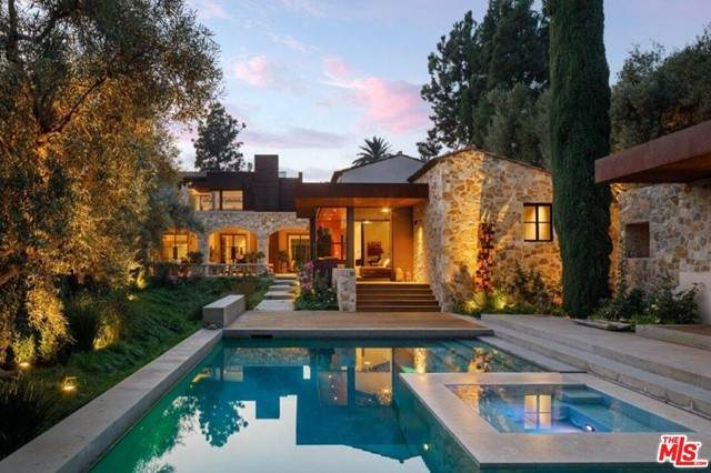 976 N Alpine Drive, Beverly Hills, CA 90210 (#21749480) :: RE/MAX Empire Properties