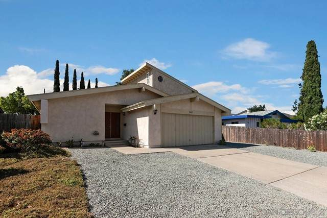 8427 Carlton Oaks Dr., Santee, CA 92071 (#210016565) :: Z REALTY