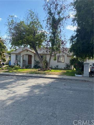 725 Clark Avenue, Pomona, CA 91767 (#DW21129883) :: Holmes Muirhead Team at Reviron Realty