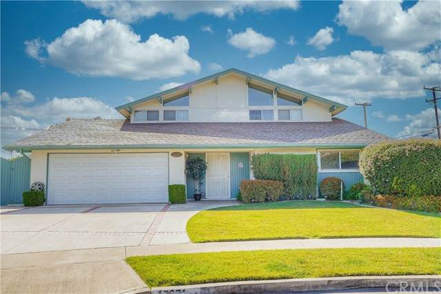 17371 Encino Circle, Huntington Beach, CA 92647 (#PW21130046) :: Z REALTY