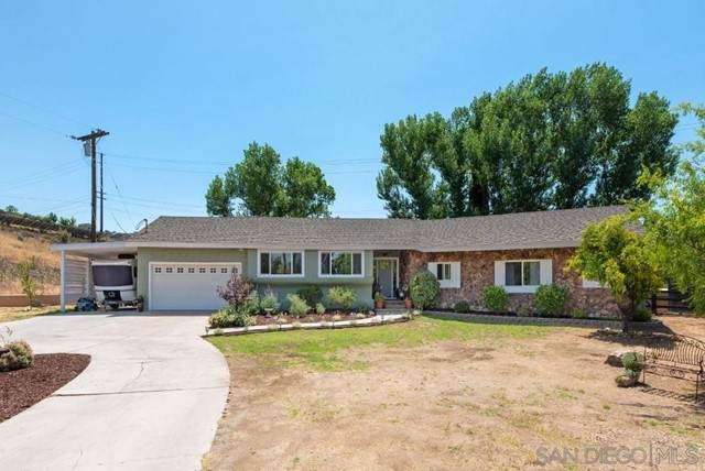 13008 Vista View Drive, Poway, CA 92064 (#210016568) :: Z REALTY