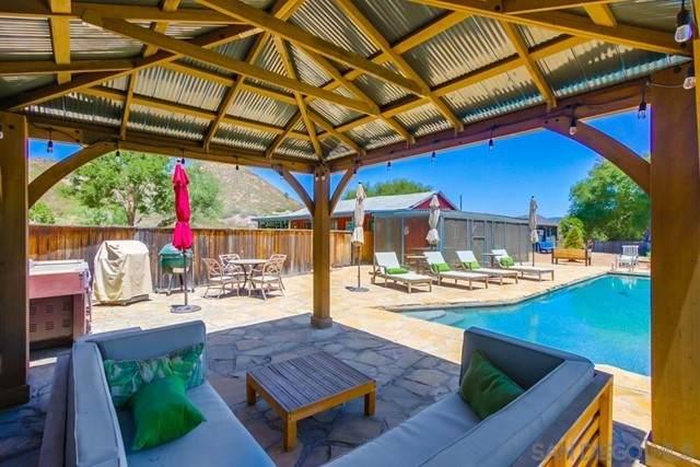 19741 Highway 78, Ramona, CA 92065 (#210016578) :: Berkshire Hathaway HomeServices California Properties