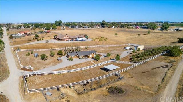 8110 Settlers Place, Paso Robles, CA 93446 (#NS21129357) :: Powerhouse Real Estate