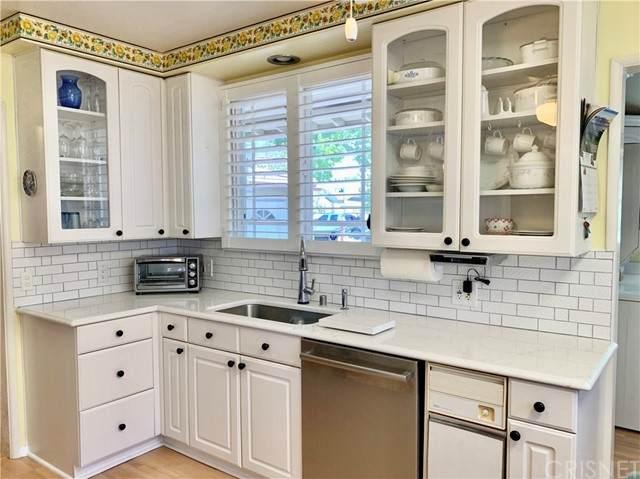 8927 Rubio Avenue, North Hills, CA 91343 (#SR21130159) :: Berkshire Hathaway HomeServices California Properties