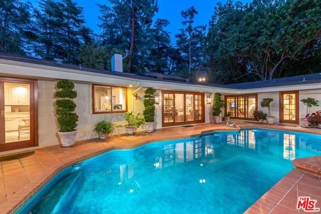 4859 Queen Florence Lane, Woodland Hills, CA 91364 (#21748440) :: Zen Ziejewski and Team