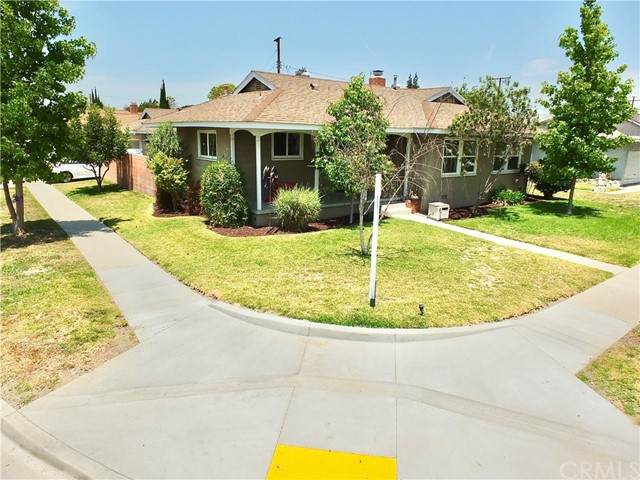 3429 Nipomo Avenue, Long Beach, CA 90808 (#PW21130553) :: Steele Canyon Realty