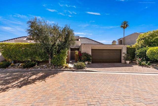 2560 W La Condesa Drive, Palm Springs, CA 92264 (#219063636DA) :: Blake Cory Home Selling Team