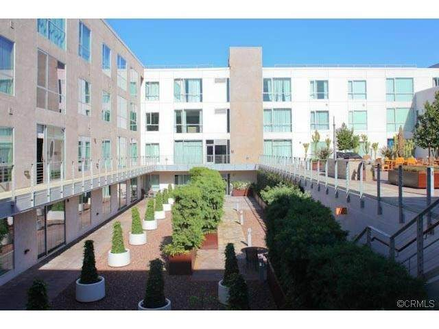 285 W 6th Street #332, San Pedro, CA 90731 (#AR21131099) :: Jett Real Estate Group