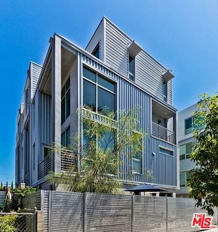 6023 W Beachwood Lane, Los Angeles (City), CA 90038 (MLS #21749136) :: Desert Area Homes For Sale