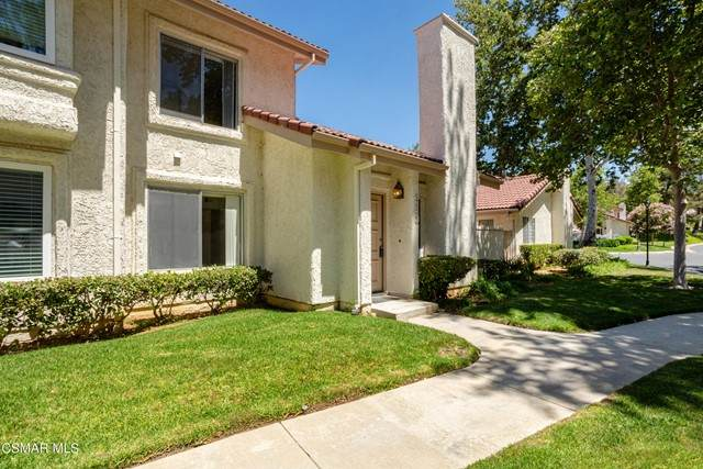 933 Quarterhorse Lane, Oak Park, CA 91377 (#221003284) :: Blake Cory Home Selling Team