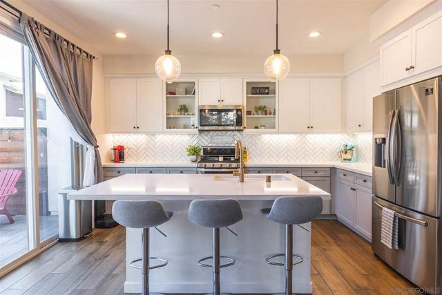 2017 Quartet Loop #2, Chula Vista, CA 91915 (#210016756) :: First Team Real Estate