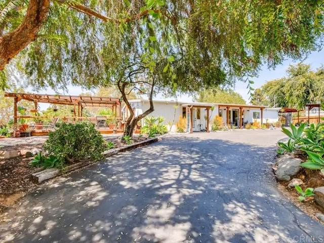 596 Vale View Dr, Vista, CA 92081 (#NDP2106986) :: Massa & Associates Real Estate Group | eXp California Realty Inc