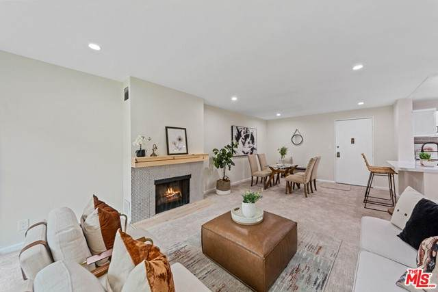 6355 Green Valley Circle #201, Culver City, CA 90230 (MLS #21749188) :: Desert Area Homes For Sale