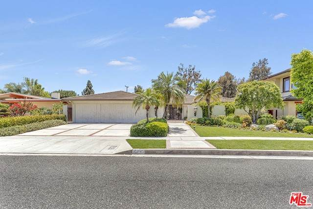 4012 Country Club Drive, Lakewood, CA 90712 (#21748958) :: Swack Real Estate Group | Keller Williams Realty Central Coast