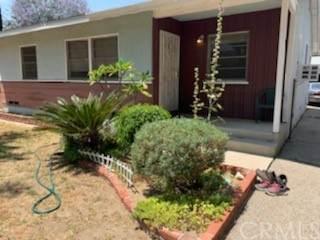 22143 Leadwell Street, Canoga Park, CA 91303 (#PI21131418) :: RE/MAX Empire Properties