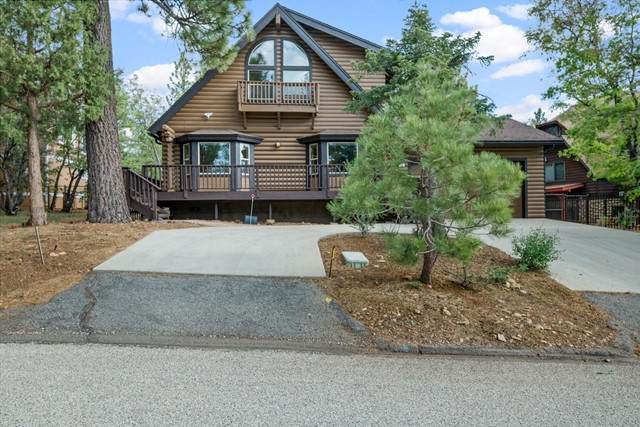 150 Yosemite Drive, Big Bear, CA 92314 (#219063652PS) :: Realty ONE Group Empire