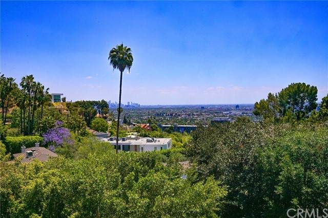 1450 Sunset Plaza Drive, Hollywood Hills, CA 90069 (#PW21131268) :: Powerhouse Real Estate