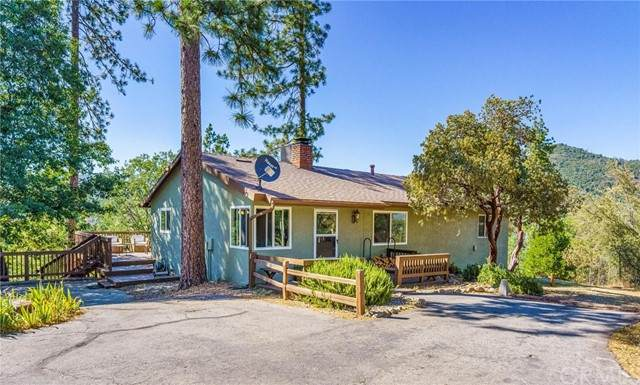 54409 Sequoia Circle, North Fork, CA 93643 (#FR21131041) :: Zen Ziejewski and Team
