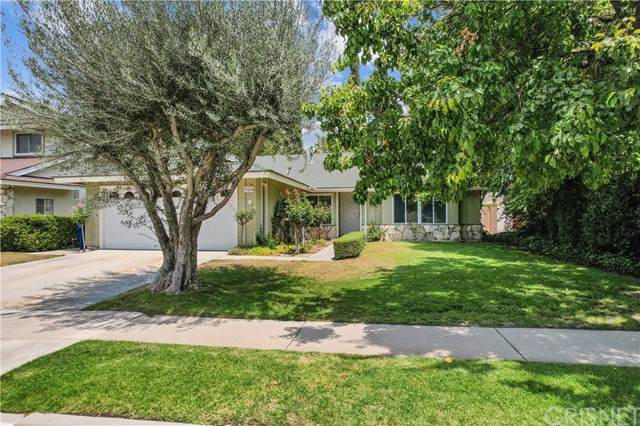 27436 Fairport Avenue, Canyon Country, CA 91351 (#SR21130368) :: Zen Ziejewski and Team