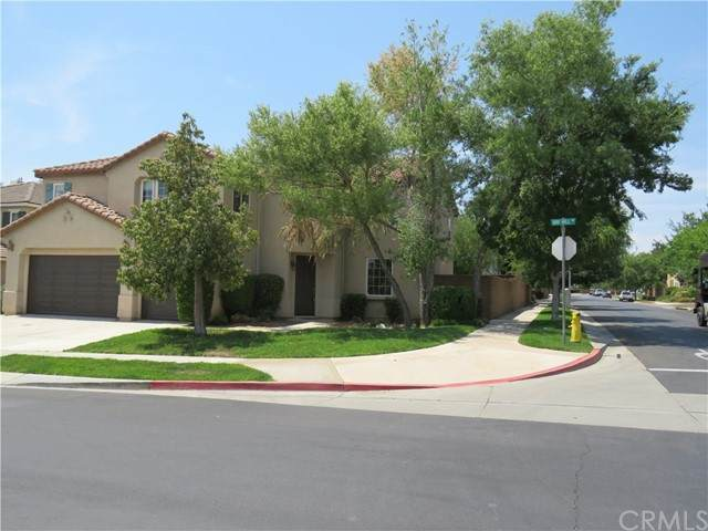 36492 Bay Hill Drive, Beaumont, CA 92223 (#EV21132120) :: Holmes Muirhead Team at Reviron Realty