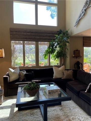409 Bay Hill Drive, Newport Beach, CA 92660 (#NP21132041) :: Pam Spadafore & Associates