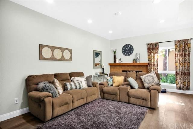 40 Greenmoor #20, Irvine, CA 92614 (#PW21131980) :: American Real Estate List & Sell