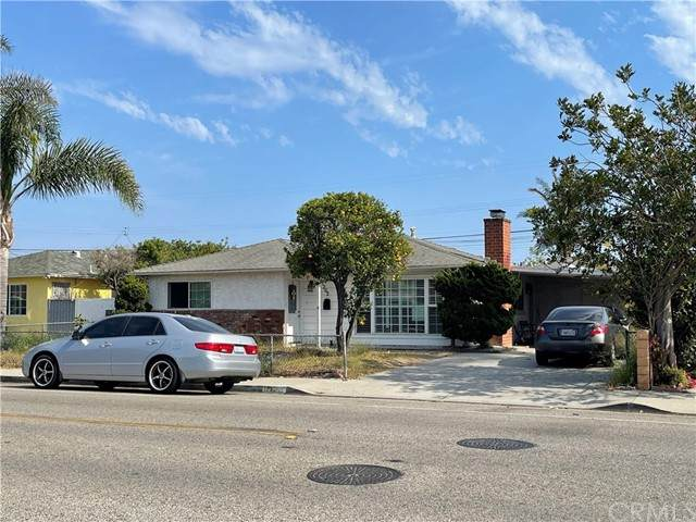 1262 W Hemlock Street, Oxnard, CA 93033 (#CV21132061) :: Mark Nazzal Real Estate Group