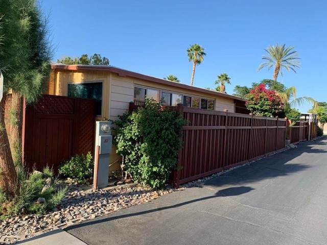 4 Arapaho Street, Palm Springs, CA 92264 (#219063674PS) :: Blake Cory Home Selling Team