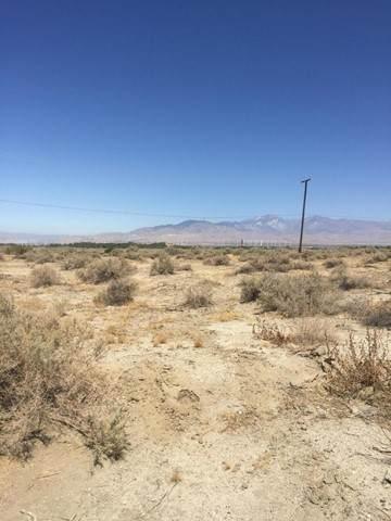 5 Sagebrush Trail, Desert Hot Springs, CA 92240 (#219063677DA) :: Go Gabby