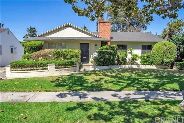 3146 Federal Avenue, Los Angeles (City), CA 90066 (#SR21130280) :: Team Tami