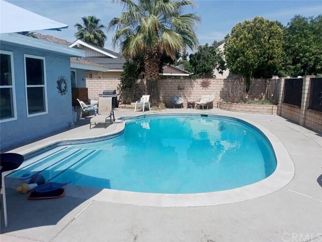 25091 Lamayo Avenue, Moreno Valley, CA 92557 (#DW21132364) :: Hart Coastal Group