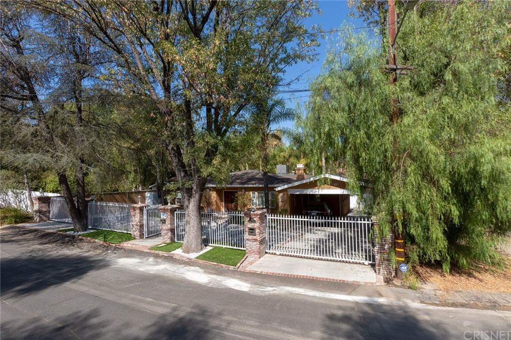 22209 Dolorosa Street, Woodland Hills, CA 91367 (#SR21131805) :: Steele Canyon Realty