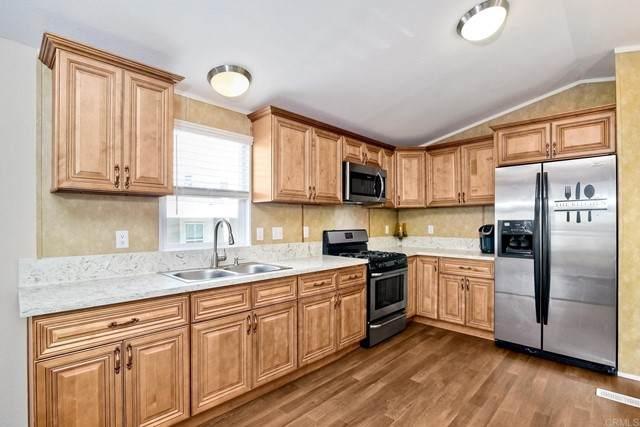 400 N Melrose Drive #35, Vista, CA 92083 (#NDP2107037) :: Massa & Associates Real Estate Group | eXp California Realty Inc