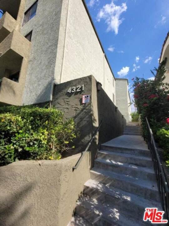 4321 Los Feliz Boulevard #5, Los Angeles (City), CA 90027 (#21750634) :: Mint Real Estate