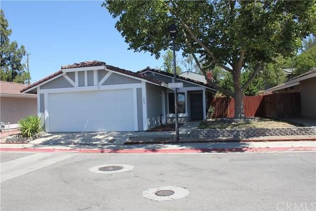 203 Honeysuckle Lane, Paso Robles, CA 93446 (#NS21047786) :: Compass