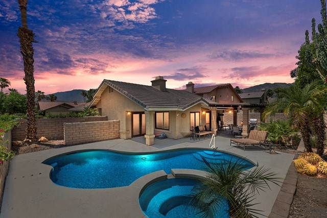 78580 Via Sonata, La Quinta, CA 92253 (#219063707DA) :: Blake Cory Home Selling Team
