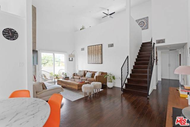 1021 N Crescent Heights Boulevard #305, West Hollywood, CA 90046 (#21750268) :: Blake Cory Home Selling Team
