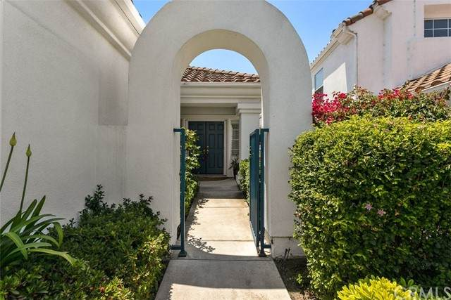 6009 Patmos Way, Oceanside, CA 92056 (MLS #NP21130355) :: Desert Area Homes For Sale