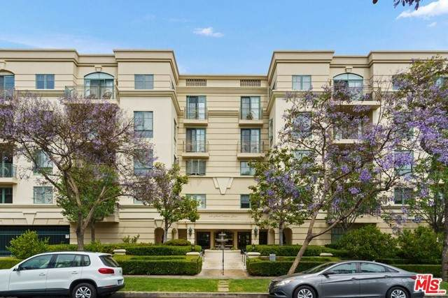430 N Oakhurst Drive #204, Beverly Hills, CA 90210 (#21746654) :: TeamRobinson | RE/MAX One