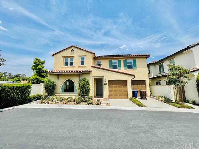 650 Calle Valle, Walnut, CA 91789 (#AR21132605) :: The Miller Group