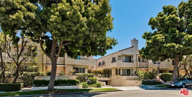 2339 34Th Street #39, Santa Monica, CA 90405 (#21750618) :: TeamRobinson | RE/MAX One